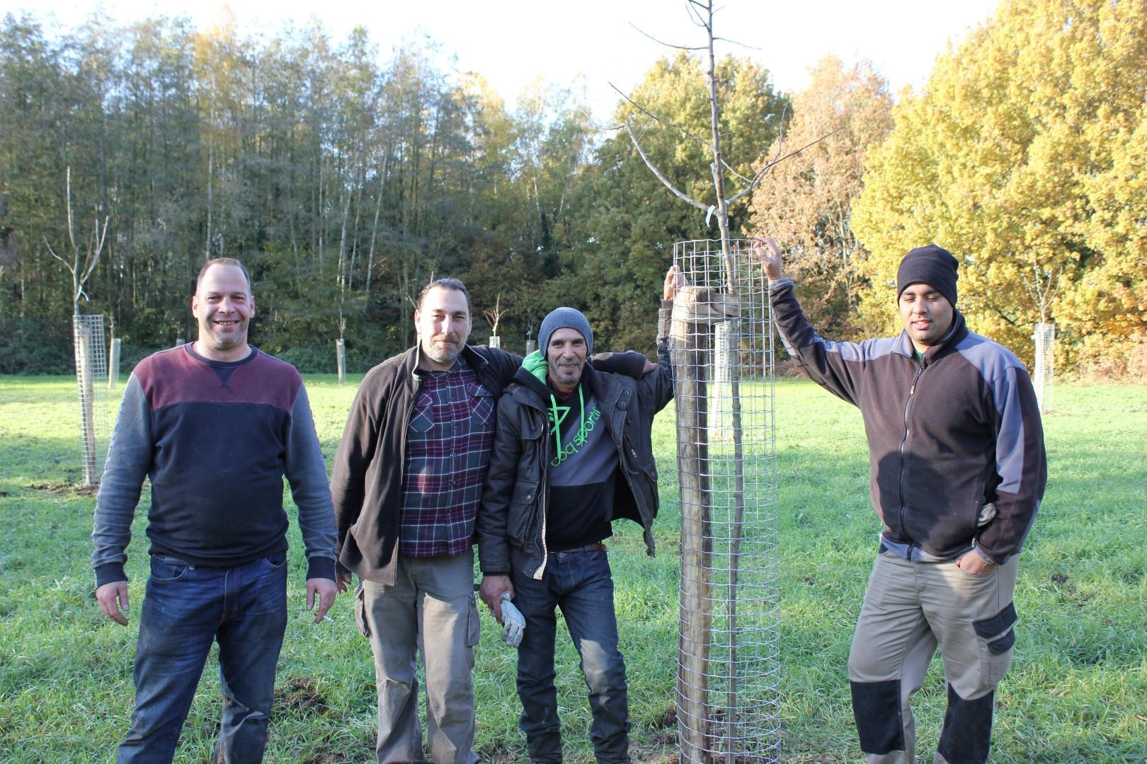 Aanplanting fruitbomen in Raambeekvallei