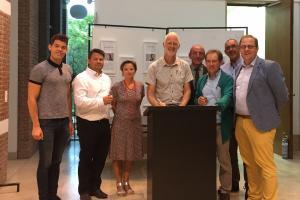 Ondertekening gebruiksovereenkomst NH de Paardenstal gemeentehuis Niel
