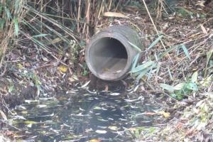 Lozing afvalwater in Broekelei